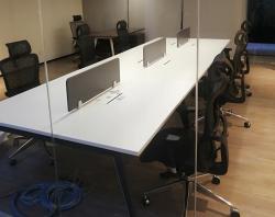 极致简约开放式办公桌时尚魅力