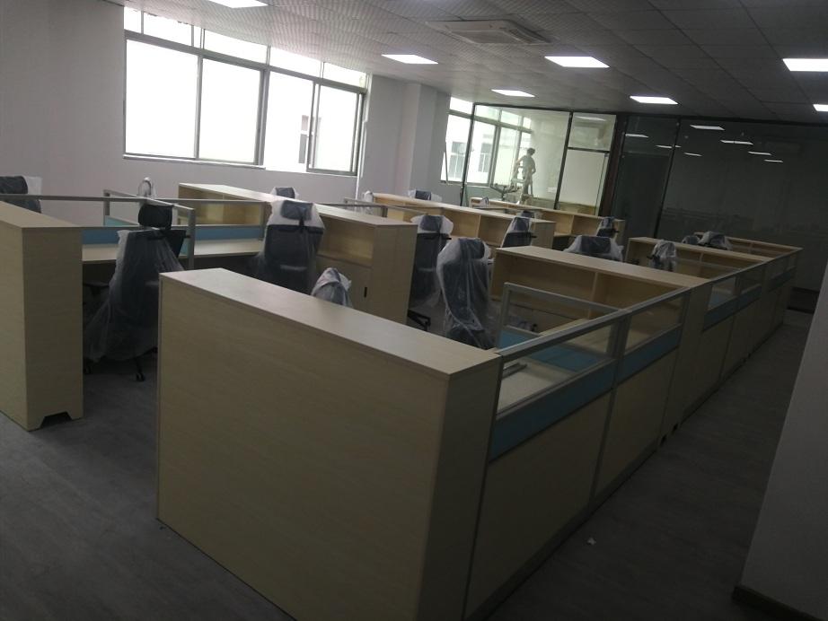 开放区职员办公桌